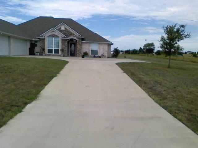 5680 Veal Station Rd, Weatherford, TX