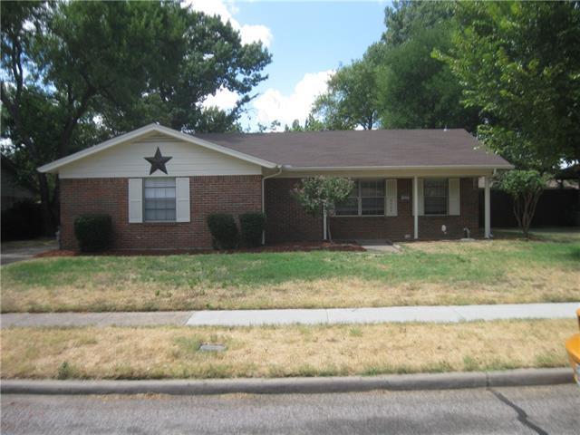 2725 Wallin Dr, Irving, TX