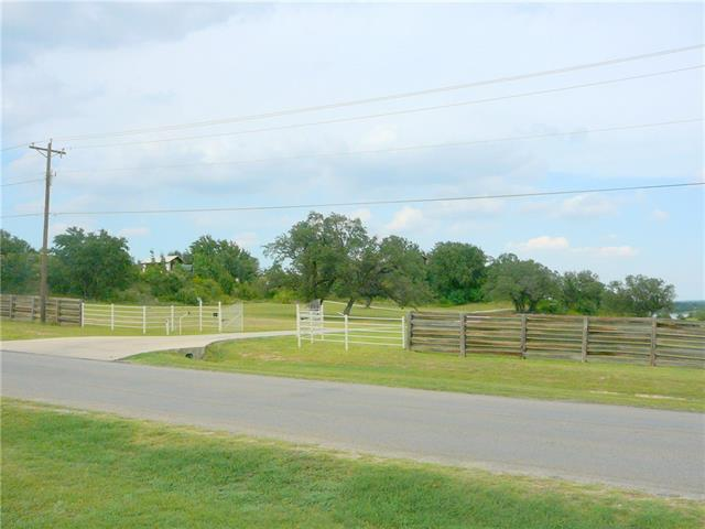 3139 Oak Trail Dr, Granbury TX 76048