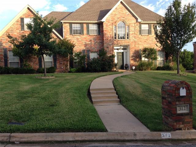 312 Laurel Creek Dr, Sherman, TX