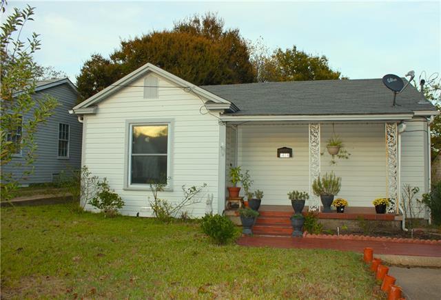 1404 N Preston St, Ennis TX 75119