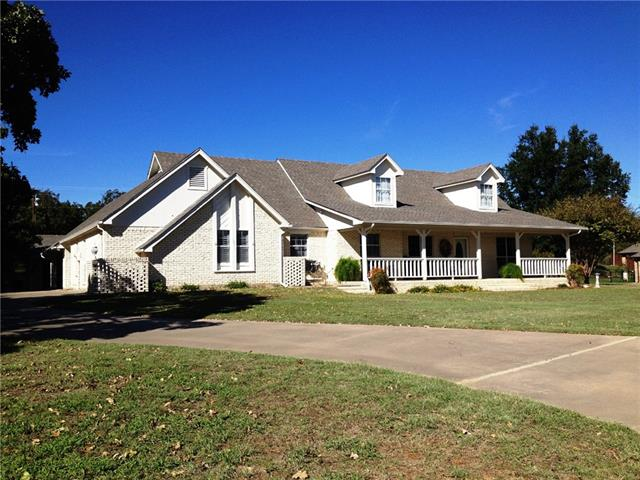 10517 Ravenswood Rd, Granbury, TX