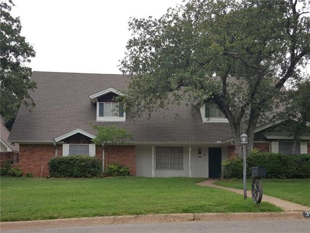 308 Oakwood Dr, Hurst, TX