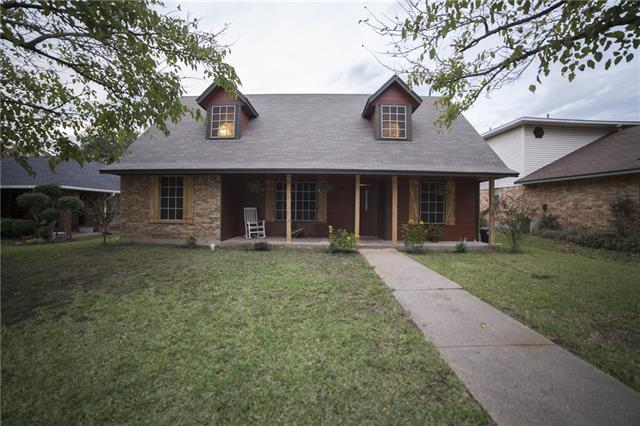 1104 Casa Linda St, Ennis TX 75119
