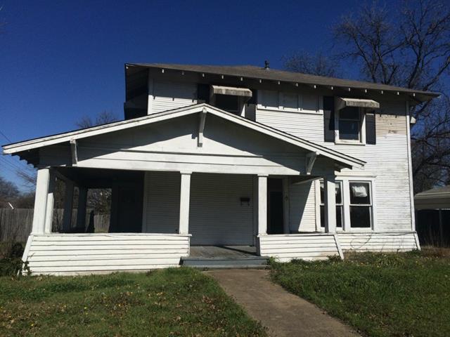 210 W Gilmer St, Ennis TX 75119