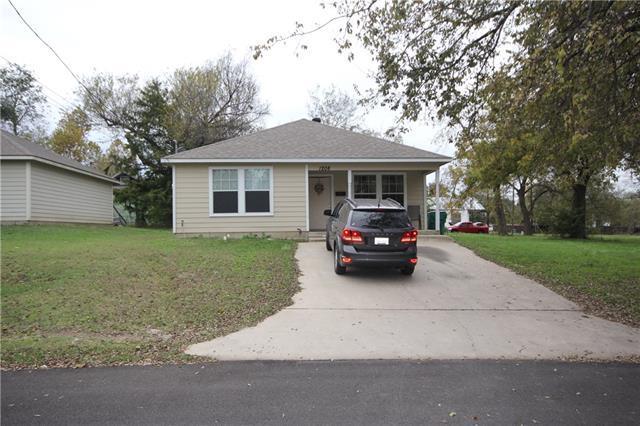 1208 Beauchamp St, Greenville TX 75401