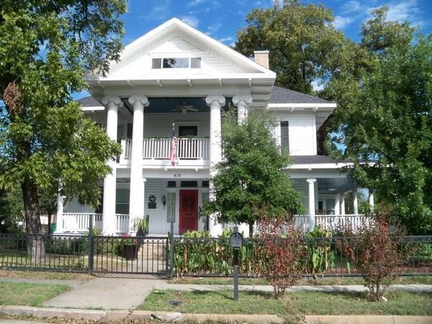 416 W College, Coleman, TX