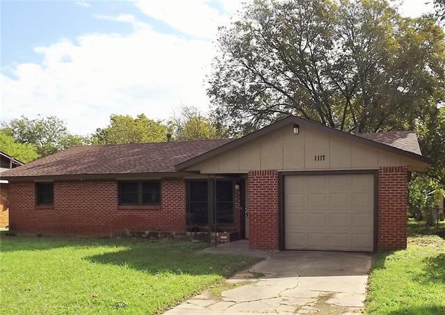 1117 Davis St, Cleburne, TX