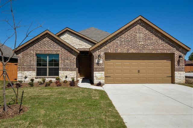 736 Ravenwood Dr, Arlington, TX