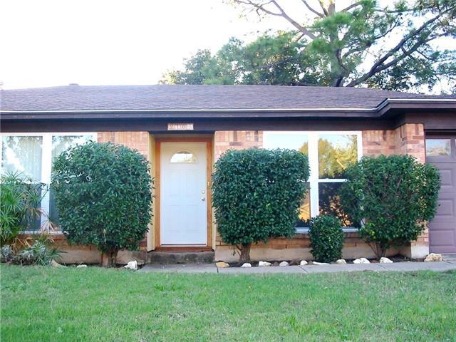 2105 Hurstview Dr, Hurst, TX