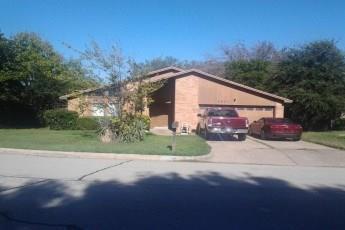 6901 Loma Vista Dr, Fort Worth, TX