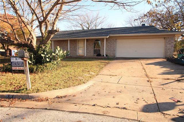 907 Cypress Ct, Arlington, TX