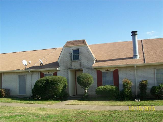 11 W Townhouse Ln, Grand Prairie, TX