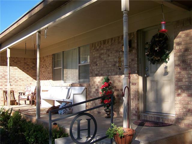 504 W Hall St, Bangs, TX
