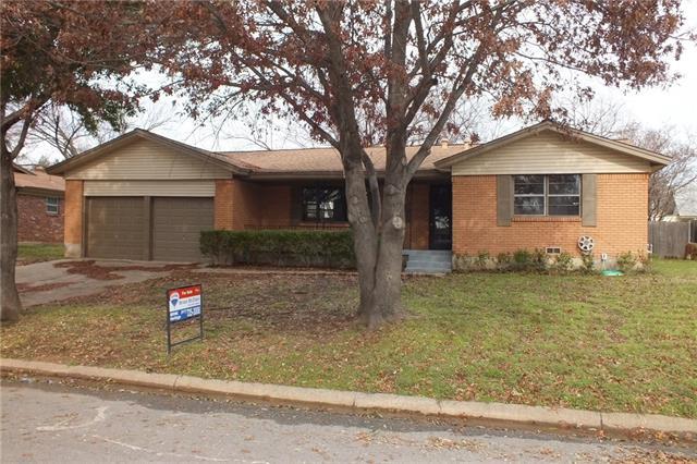1212 Crestview Dr, Hurst, TX