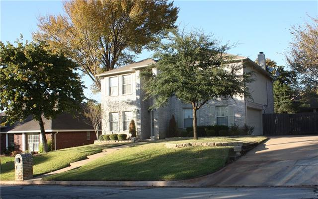 4923 Saddleback Rd, Arlington, TX