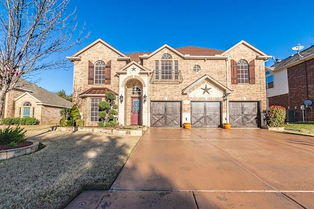 215 Country Meadow Ct, Mansfield, TX