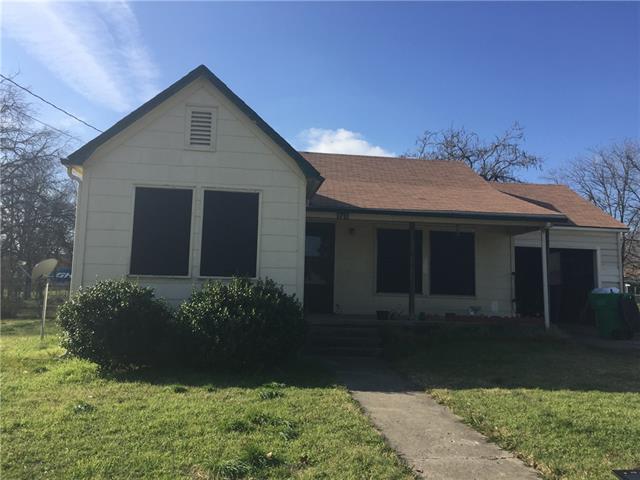 1711 Buck St, Gainesville, TX