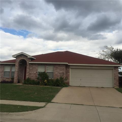 5837 River Ridge Dr, Fort Worth, TX