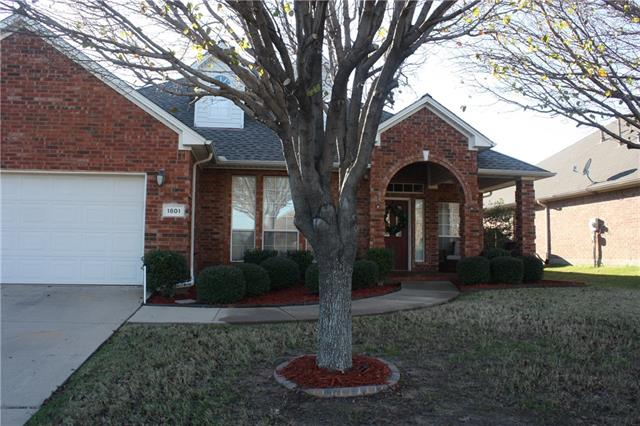 1801 Clover Hill Rd, Mansfield, TX