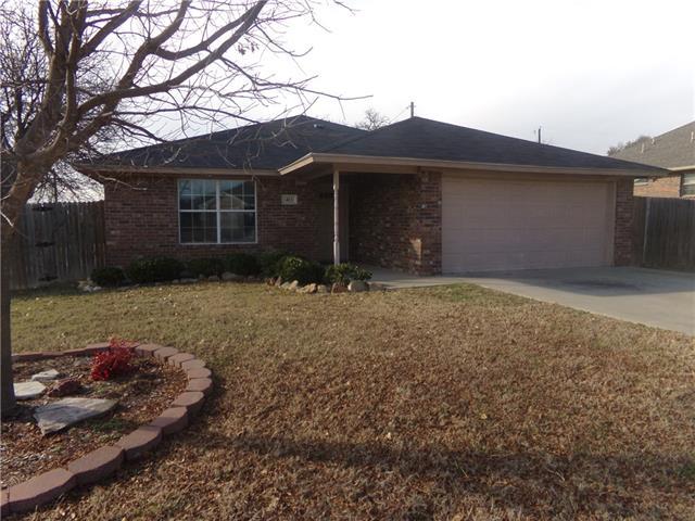 413 Ashwood St, Azle, TX