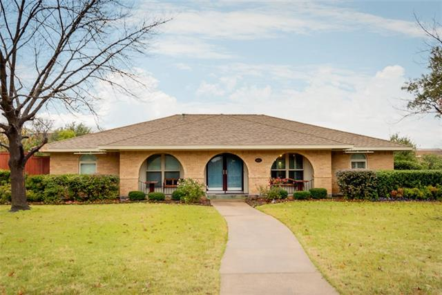 1802 S Crst, Carrollton, TX