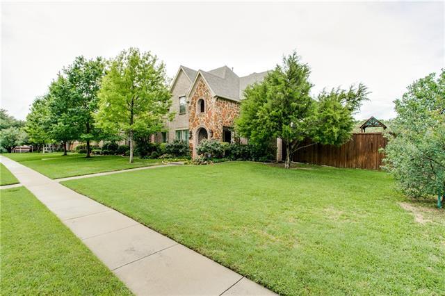 6633 Hialeah Dr, Dallas, TX