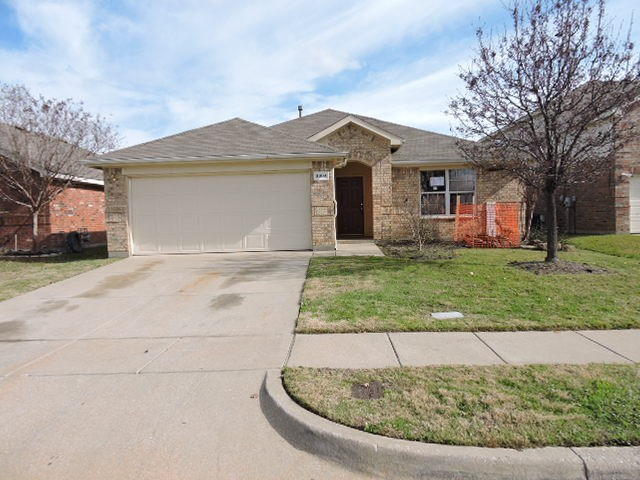 3304 Lake Hill Ln, Hurst, TX