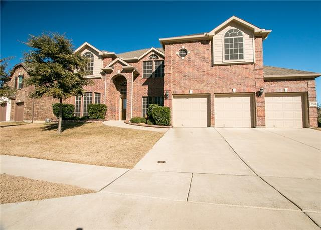 5700 Diamond Valley Dr, Fort Worth, TX