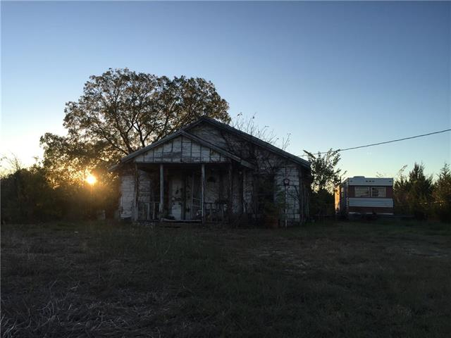 689 Burkss Rd, Whitewright, TX