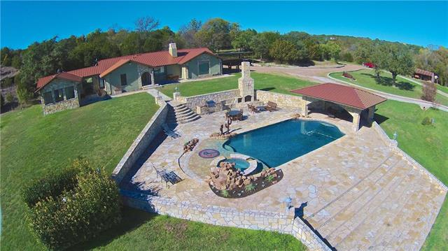 2935 Camp Paradise Ct, Granbury, TX