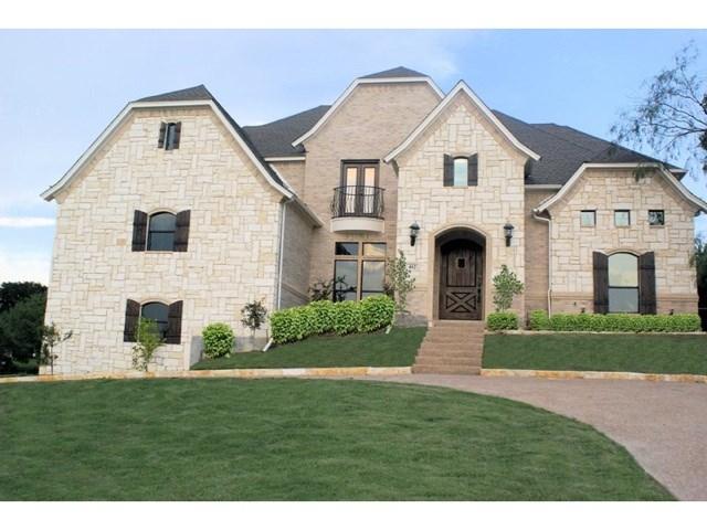 402 Golden Pond Dr, Cedar Hill, TX