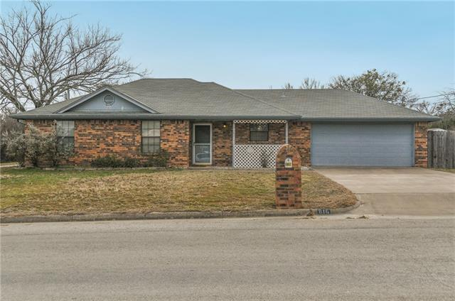 816 E 1st St, Weatherford, TX