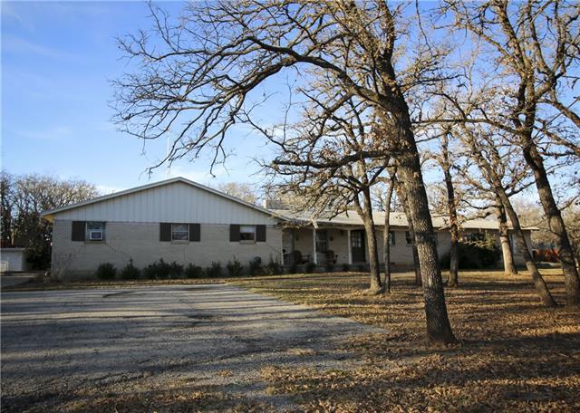 1533 E Henderson St, Cleburne, TX
