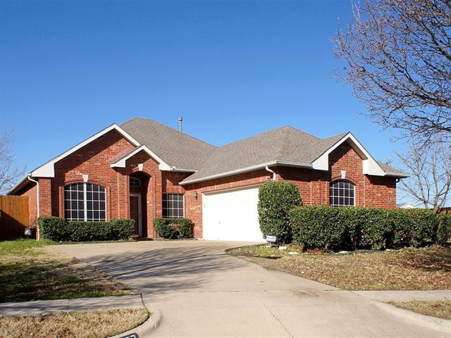 8477 Island Cir, Fort Worth, TX