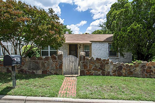 1710 Yale St, Fort Worth, TX