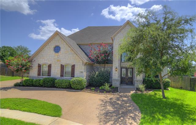 7801 Fairwest Ct, North Richland Hills, TX