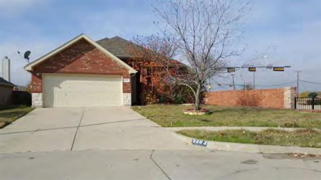 5303 Deep Lake Dr, Grand Prairie, TX