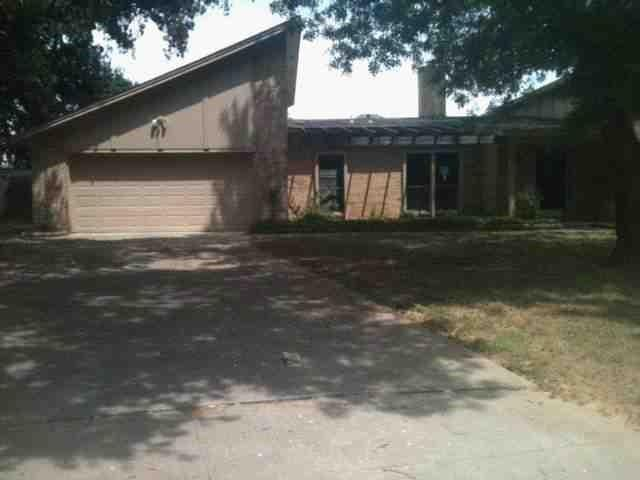 1001 Sean Ct, Hurst, TX