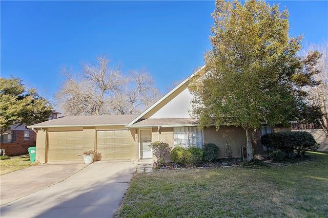 2205 Emerson Ln, Denton, TX