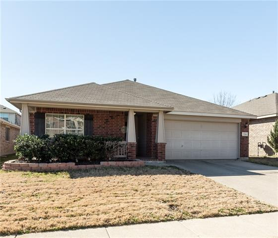 729 Fox Hunt Trl, Fort Worth, TX