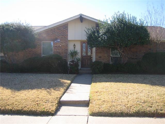 2138 Village Crst, Garland, TX