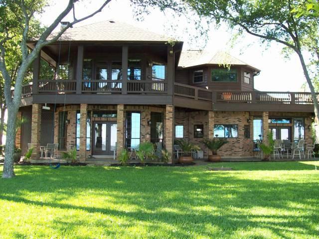 606 Enchanted Isles Dr, Mabank, TX