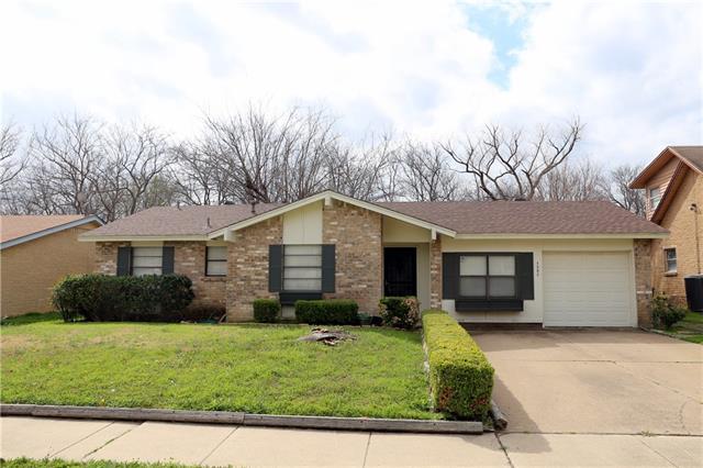 1302 E Timberview Ln, Arlington, TX