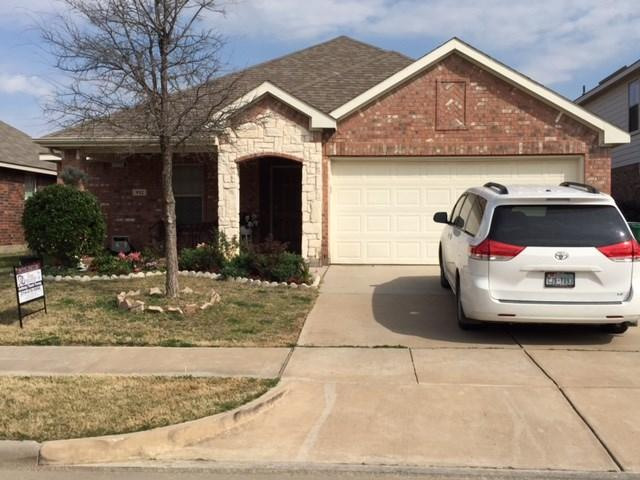 912 Raleigh Path Rd, Denton, TX