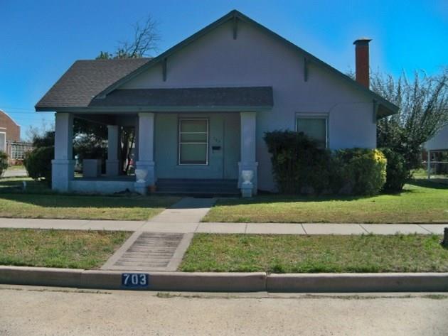 703 W Liveoak, Coleman, TX