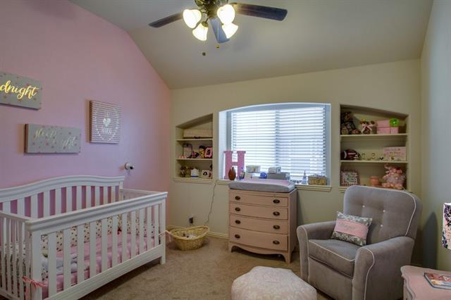1357 Broadmoor Dr, Burleson TX 76028