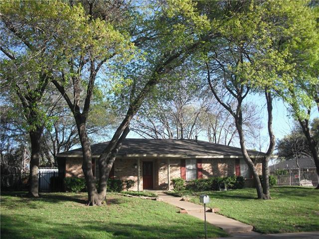 121 Highridge Dr, Desoto, TX