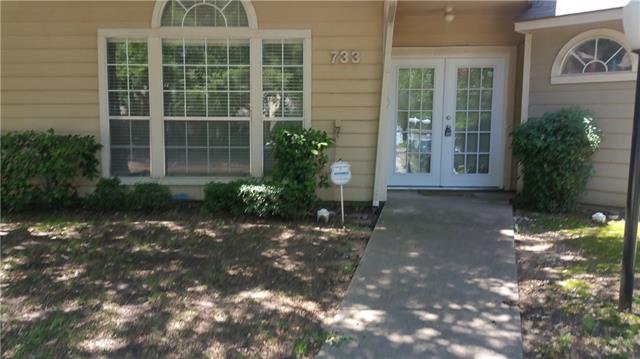 733 Berkley Plz, Irving, TX