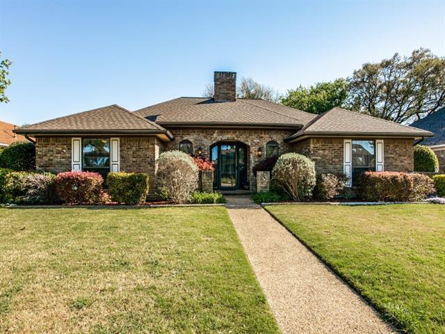 6918 Middle Cove Dr, Dallas, TX